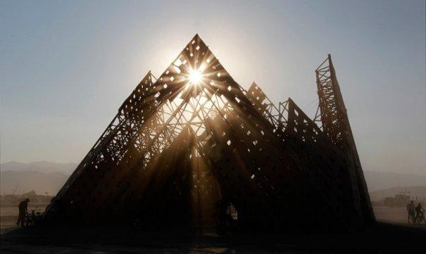 Волны креатива в красивых фото с фестиваля Burning Man - №24