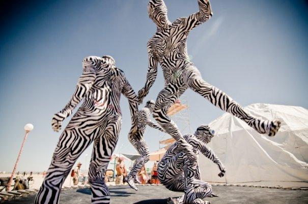 Волны креатива в красивых фото с фестиваля Burning Man - №27