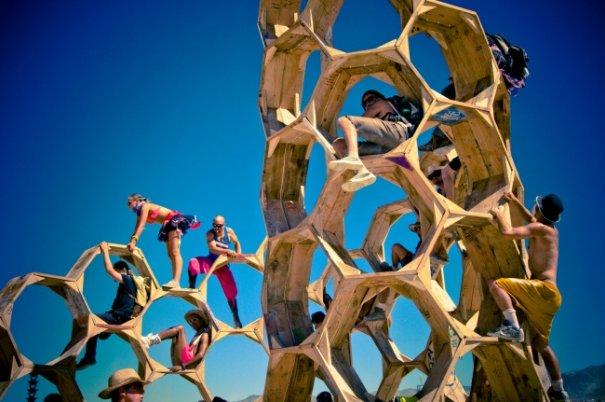 Волны креатива в красивых фото с фестиваля Burning Man - №28