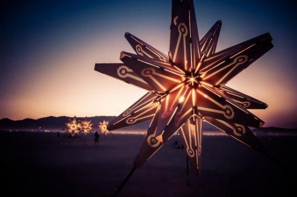 Волны креатива в красивых фото с фестиваля Burning Man - №30