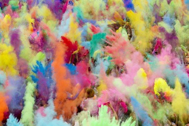 Новости в фотографиях - Фестиваль красок Холи - №12