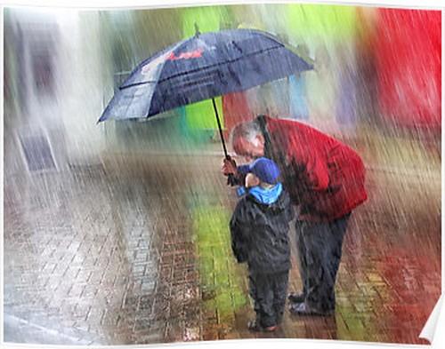 Люди под дождем - красиво и актуально для осенних фото - №5