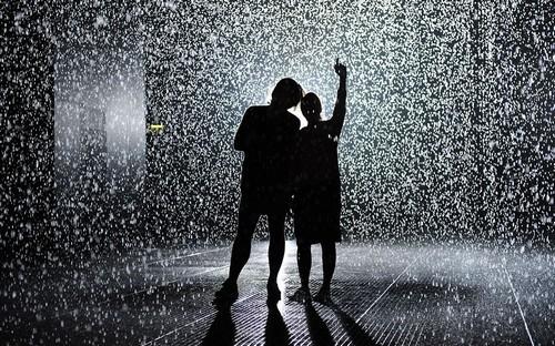 Люди под дождем - красиво и актуально для осенних фото - №9