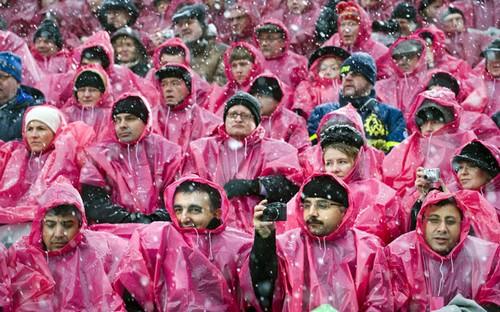 Люди под дождем - красиво и актуально для осенних фото - №11