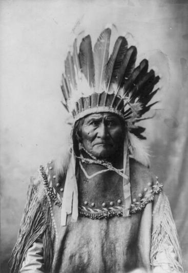 Эдвард Кертис, фотографирует индейцев. - №1