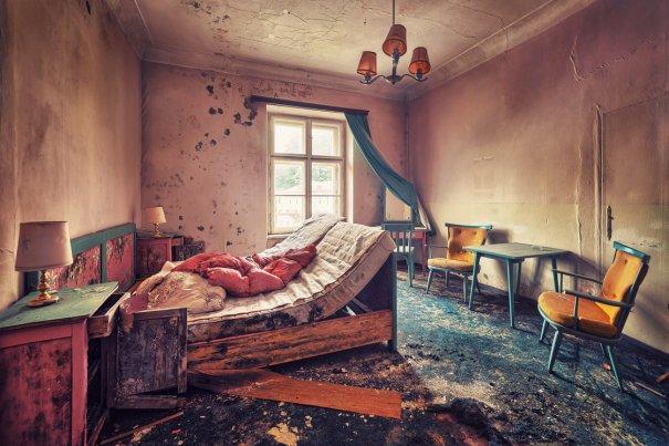 Заброшенный мир. Красивые фото от увлеченного фотографа - №7