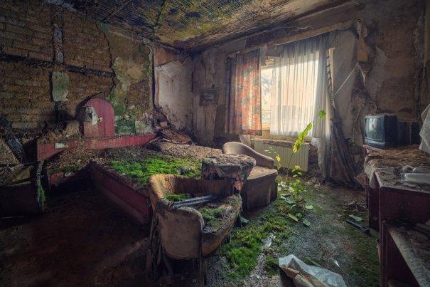 Заброшенный мир. Красивые фото от увлеченного фотографа - №8