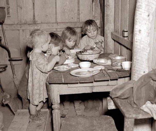 Старые черно-белые фото - символы эпохи - №16