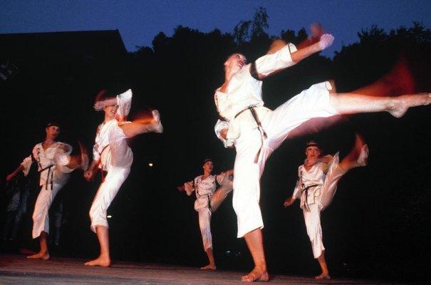 Новости в фотографиях - Цветная история СССР. 1981 год - №8