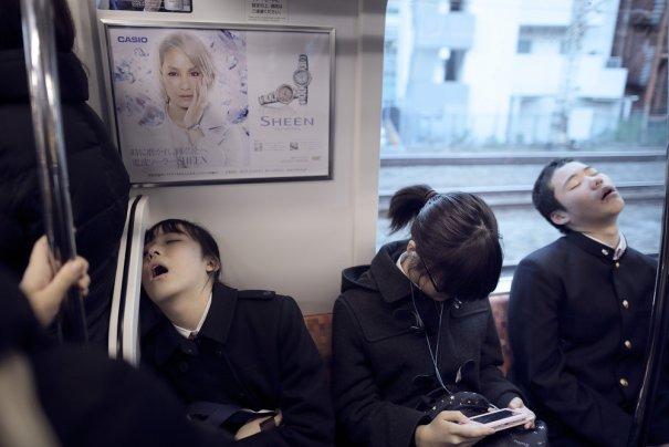 Новости в фотографиях - Кипящая жизнь в общественном транспорте - №3