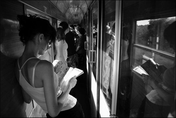 Новости в фотографиях - Кипящая жизнь в общественном транспорте - №5