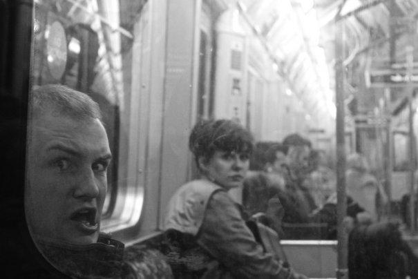 Новости в фотографиях - Кипящая жизнь в общественном транспорте - №12