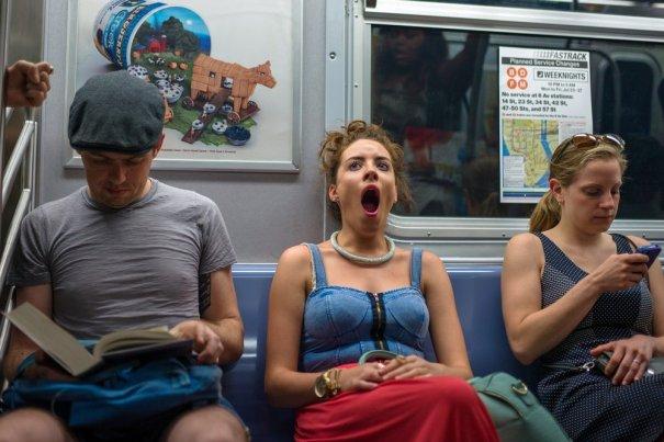 Новости в фотографиях - Кипящая жизнь в общественном транспорте - №17