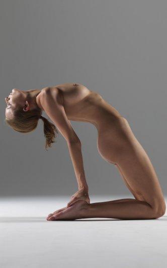 Релаксирующая йога в жанре Ню - №7
