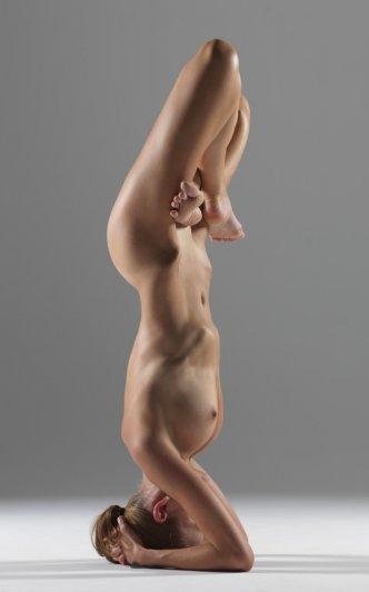 Релаксирующая йога в жанре Ню - №12