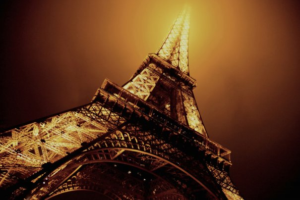 Знаменитая Эйфелева башня (Eiffel tower) - красивые фото - №10