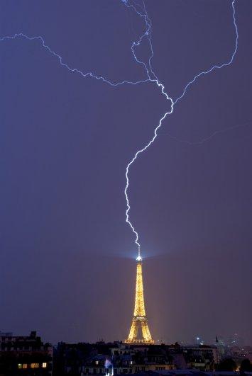 Знаменитая Эйфелева башня (Eiffel tower) - красивые фото - №20