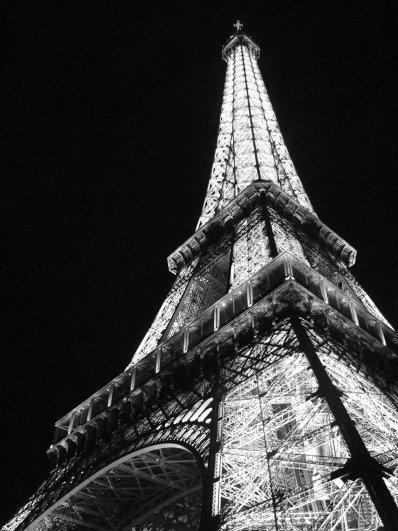 Знаменитая Эйфелева башня (Eiffel tower) - красивые фото - №21