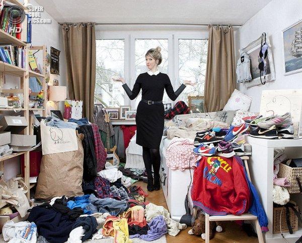 Интересные фотографии женских спален из проекта «Зеркала и Окна» - №11