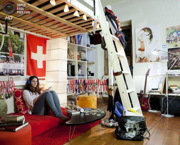 Интересные фотографии женских спален из проекта «Зеркала и Окна» - №18