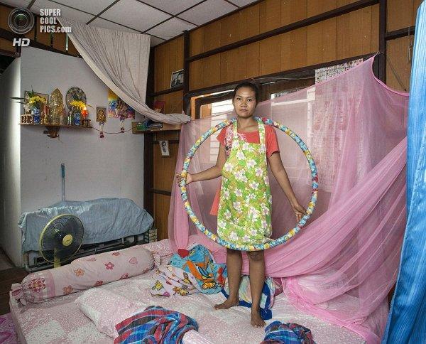 Интересные фотографии женских спален из проекта «Зеркала и Окна» - №20
