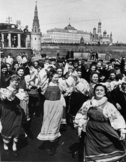 Шедевры советской фотографии от мастеров - №14