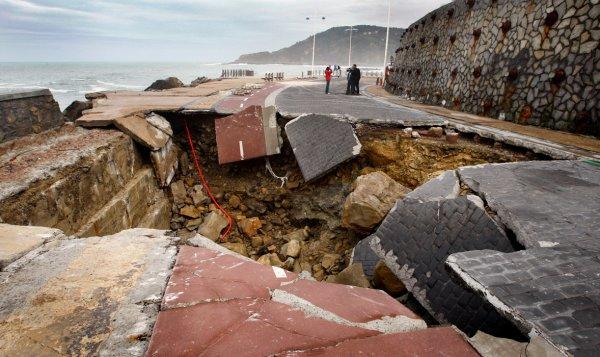 Загадка провалов в земле - смотрите интересные фото - №3
