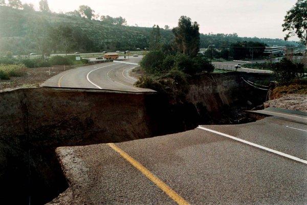Загадка провалов в земле - смотрите интересные фото - №12