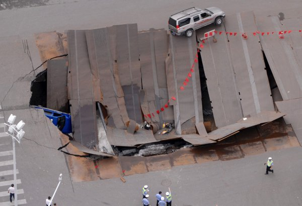 Загадка провалов в земле - смотрите интересные фото - №15