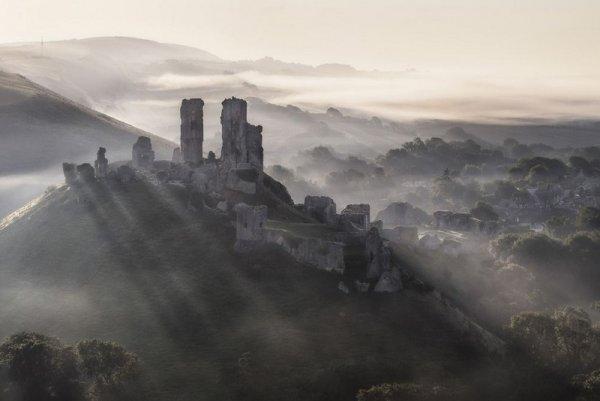 Mirek Galagus - Corfe Castle