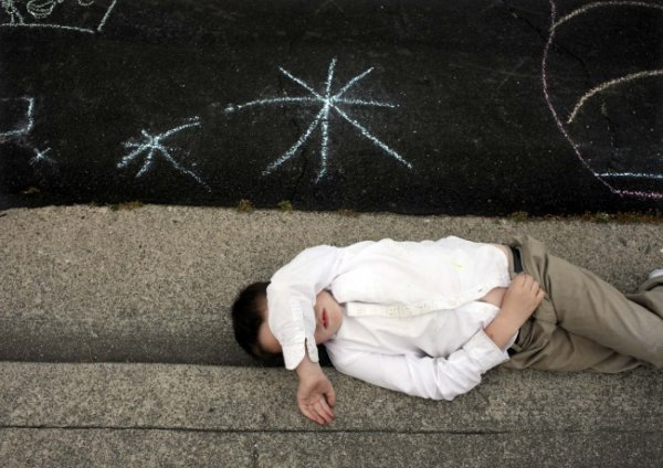 Фото история о мальчике-аутисте - №2