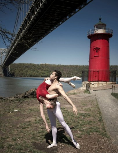 Будни танцоров балета в забавных и интересных фото - №1