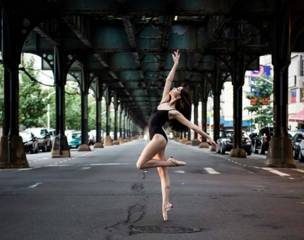 Будни танцоров балета в забавных и интересных фото - №4
