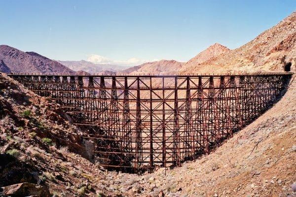 Интересные фото заброшенной старинной железной дороги - №9
