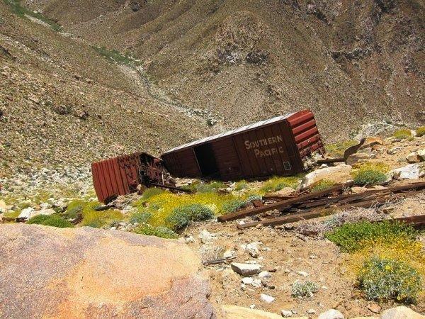 Интересные фото заброшенной старинной железной дороги - №3