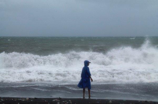 Новости в фотографиях - Тайфун Хаян унес жизни более 10 тысяч человек - №4