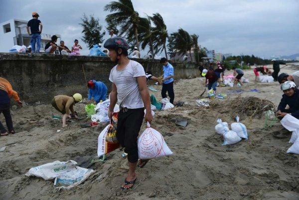 Новости в фотографиях - Тайфун Хаян унес жизни более 10 тысяч человек - №8