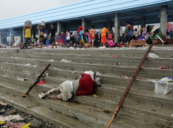 Новости в фотографиях - Тайфун Хаян унес жизни более 10 тысяч человек - №9