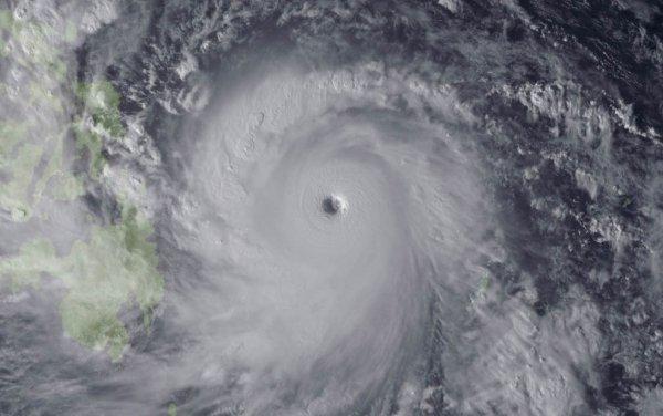 Новости в фотографиях - Тайфун Хаян унес жизни более 10 тысяч человек - №10