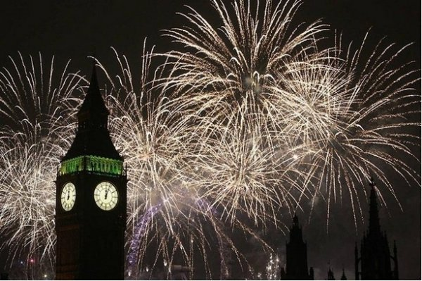 Празднование Нового Года - красивые фото из разных стран - №5