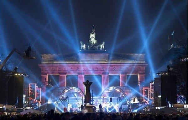 Празднование Нового Года - красивые фото из разных стран - №9