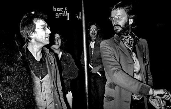 Новости в фотографиях - подборка в память о Джоне Ленноне - №15