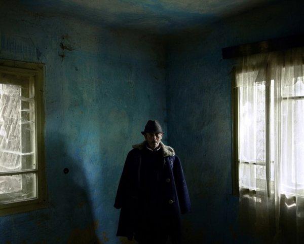 Граница между документальным и художественным фото. Tamas Dezso - №15