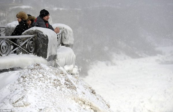 замерз Ниагарский водопад 5