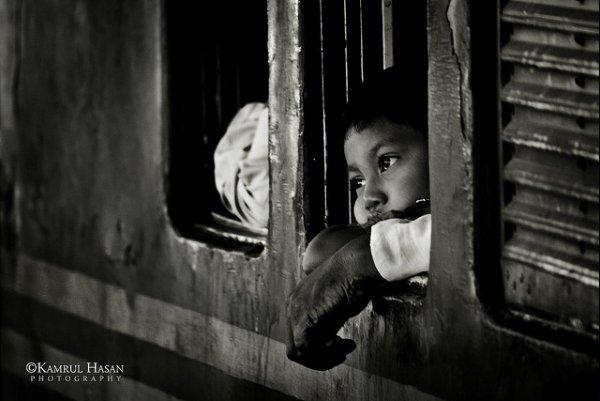 Взгляд в окно - искусство черно-белых фото - №20