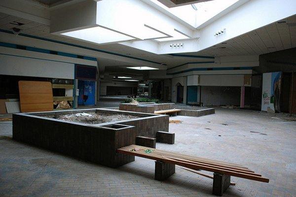 Заброшенные здания - бывшие мегамоллы США - №18