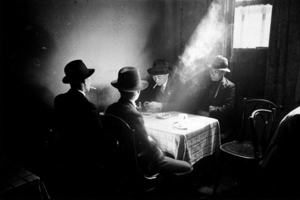 © Bert Hardy - Свет в фотографии