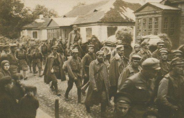 Неизвестный автор. Пехотные войска 1-й бригады Польских легионов входят в Ковель, 1915. Собрание Польского музея армии, Варшава