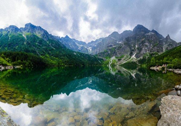 Красивое озеро