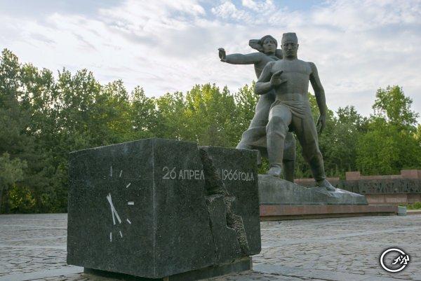 Ташкент памятник жертвам крупнейшего землетрясения в 1966 г.